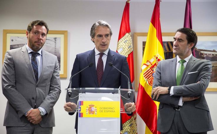 Íñigo de la Serna asiste a la reunión del Consejo de Administración de la Sociedad Valladolid Alta Velocidad