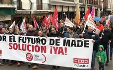 Unas 900 personas reclaman en una marcha un futuro para Made y pago de deudas