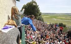 4.000 bolsas de pan y queso para recrear el apedreamiento de Santo Toribio en Palencia