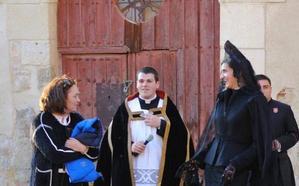 La Junta tramita una sanción de 2.000 euros al expárroco de Villalón que cambió la puerta de la iglesia