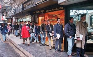 Tres de cada cien ofertas de empleo en Castilla y León demandan titulaciones de posgrado