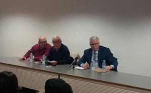 Garzón ve «muy bien» el Decreto de Memoria Histórica