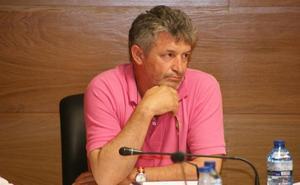 El alcalde de Arroyo destituye como primer teniente de alcalde y concejal al presidente de IPAE, su partido