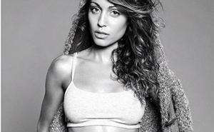 Hiba Abouk se vuelve a desnudar en las redes sociales
