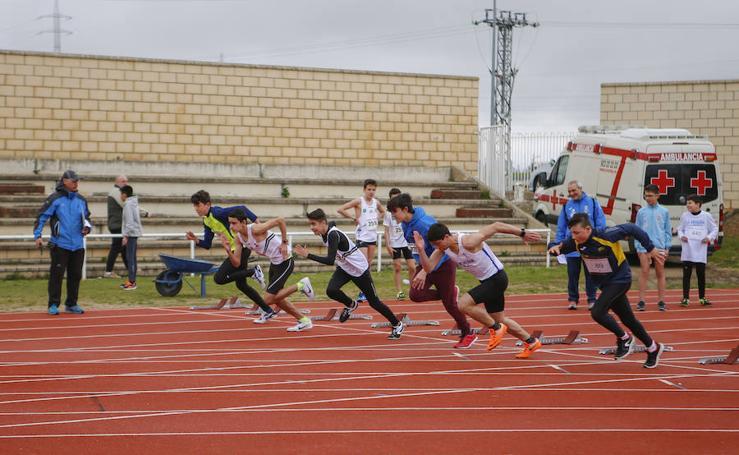 Primera jornada alevín y cadete escolar de atletismo al aire libre en Salamanca