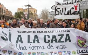 Cerca de 1.500 personas se manifiestan en Zamora para defender la caza y exigir «respeto» a su actividad