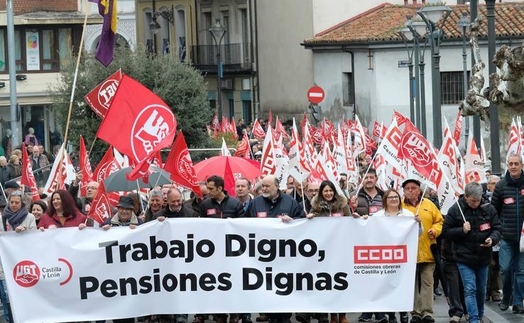 Manifestación por las pensiones y los empleos dignos en Valladolid