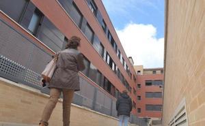 Sareb desalojará a 14 inquilinos de Arroyo que no pagaban la renta por falta de servicios