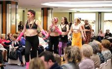 La AECC organiza un desfile de moda de baño y lencería para mujeres mastectomizadas