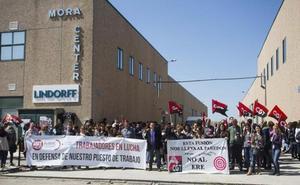 El 77% de la plantilla de Lindorff secunda el paro de dos horas, pese a que la empresa reduce 61 despidos