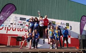 El Triatlón Salamanca femenino, campeón del regional y el Triatlón Charro, segundo