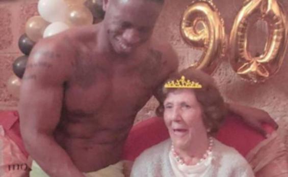 La madre de Paz Padilla pide un 'stripper' para celebrar su 90 cumpleaños