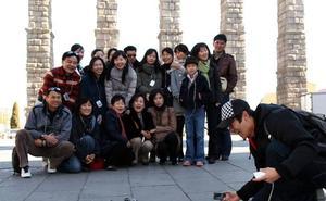Al comercio segoviano se le resiste el turista chino