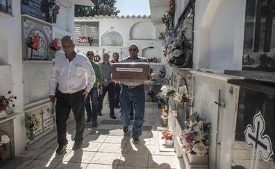 El amigo de Machado Francisco Romero recibe sepultura 82 años después de ser fusilado en Soria