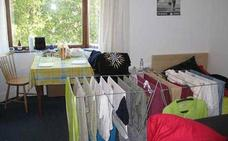 Expertos avisan sobre el peligro de tender la ropa dentro de casa