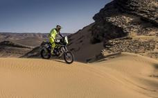 Santolino se mantiene en el 'top ten' en el Merzouga a la espera de su primera noche en el desierto