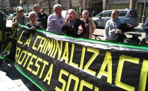 El juez absuelve a los tres acusados de agredir a los policías en la convención del PP en Valladolid