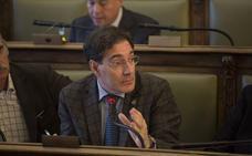 Enríquez defiende que el Gobierno del PSOE llevó a la «crisis» el proyecto ferroviario por un retraso de «tres años»
