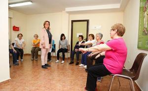 El Ayuntamiento amplía los cursos de habilidades domésticas para mayores