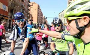 Victoria y liderato para Carlos Barbero en el inicio de la Vuelta a Castilla y León