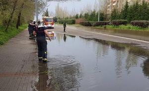 La tormenta causa inundaciones en Valladolid y multiplica las salidas de los Bomberos