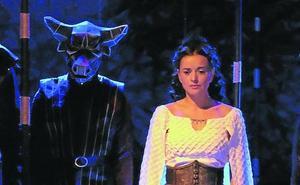 «Una obra de teatro se la lleva el viento en tres semanas y el cine queda para toda la vida»
