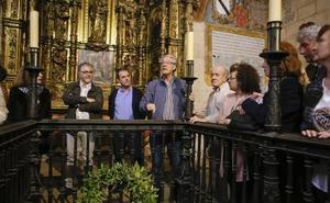 Una corona de laureles rinde homenaje a los Maldonado en su capilla de la Catedral Vieja
