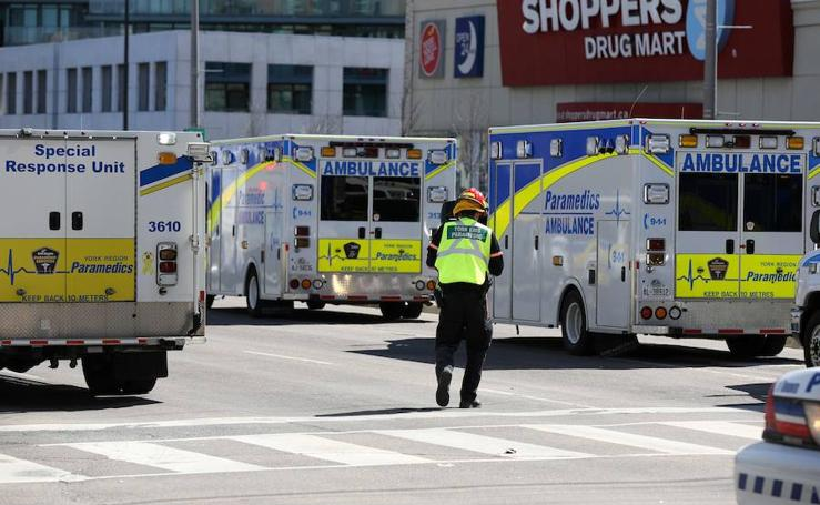 Nueve muertos y 16 heridos por un atropello de peatones en Toronto