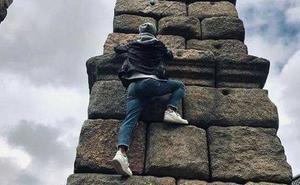 La Policía investiga a un hombre que trepó al Acueducto de Segovia y lo subió a las redes