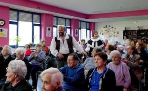 Tercera Actividad celebra el Día del Libro con el Club de Lectura de la biblioteca de Aguilar de Campoo