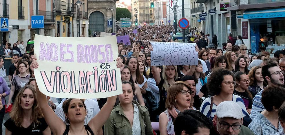 Más de 2.000 personas se concentran contra la sentencia de 'La Manada' en Valladolid