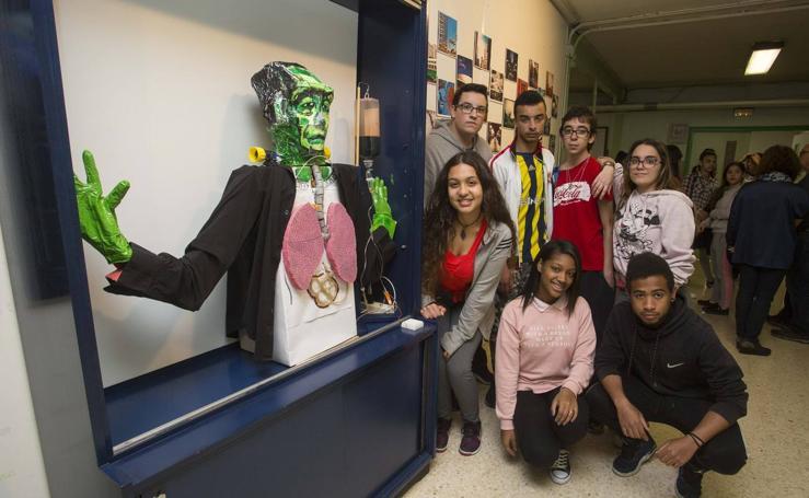 El instituto Leopoldo Cano conmemora el centenario de 'Frankestein'