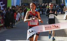 Gema Martín se impone en la Media Maratón de Gijón con su mejor marca personal