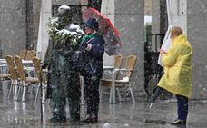 La nieve vuelve a asomarse a Segovia a las puertas de mayo