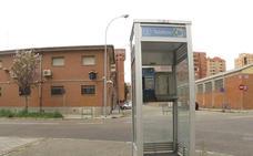 Las 92 cabinas telefónicas de Valladolid tienen los días contados