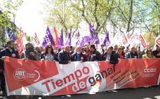 Miles de personas se manifiestan en Valladolid para reivindicar puestos de trabajo y la igualdad de género