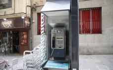 Las 60 cabinas de Salamanca y su alfoz, condenadas por el auge de los móviles