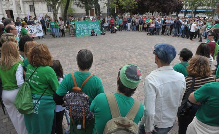 Concentración en Valladolid en contra de la Lomce y de los recortes