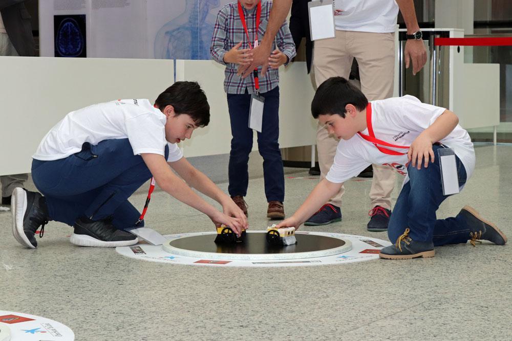 45 equipos de toda España se han enfrentado en el II Desafío ASTI Robotics