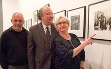 El VIII Centenario exhibe la fotografía humanista de Robert Doisneau
