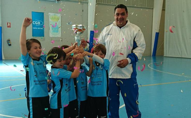 Emoción en la IV Copa Prebenjamín de futbol sala en Aldeatejada