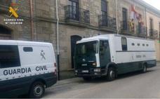 Cinco detenidos por robar en una vivienda de Villar de Peralonso