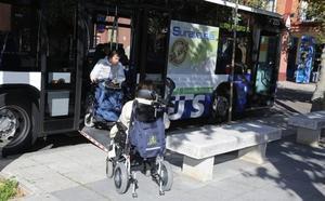Una de cada cinco paradas de autobús de Valladolid registra dificultades de accesibilidad