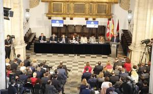 Silvia Clemente alienta la colaboración con instituciones como la USAL para que la región avance