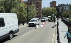 El Puente Mayor cierra al tráfico uno de sus carriles
