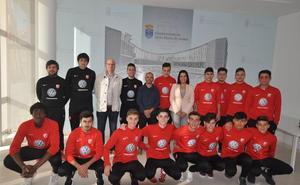 Recepción municipal a los equipos ascendidos de la UD Santa Marta