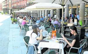 Los hosteleros de Valladolid piden pagar las terrazas cuando se instalen y no todo el año