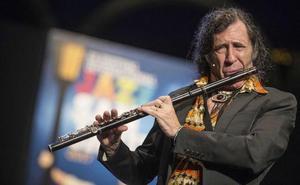«Es hora de que espabilen los programadores de las orquestas españolas»