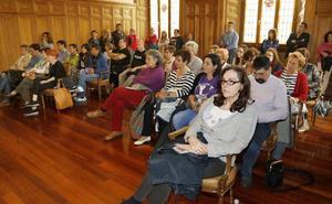 Maluma llena el pleno del Ayuntamiento de Palencia