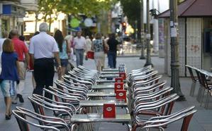 Las asociaciones vecinales denunciarán las infracciones de la ordenanza sobre las terrazas